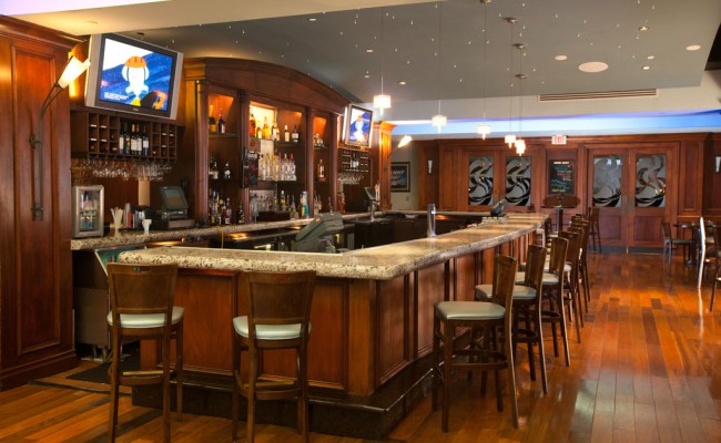Hilton-Bar-WPB-Airport1